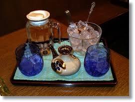 泡盛二日酔いを治す薬と対策にいい食べ物と飲み物をご紹介します。