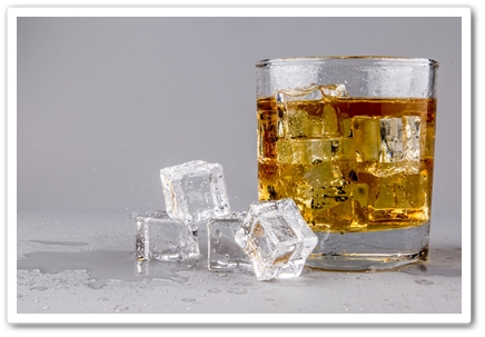 glass-with-whiskey